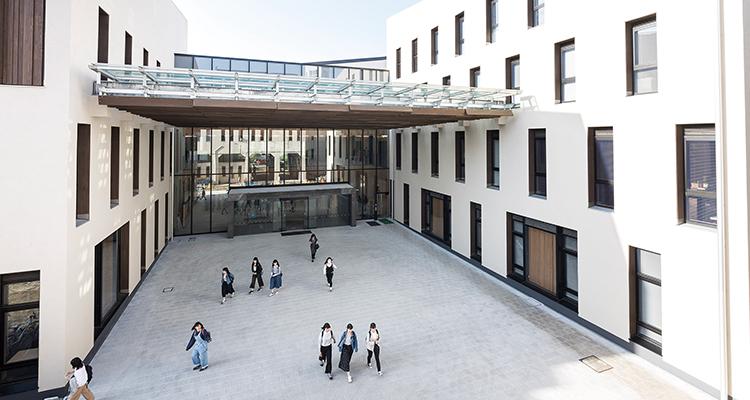 campus001.jpg